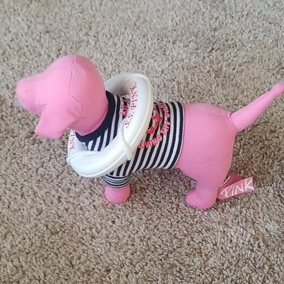 Vs pink SS dog